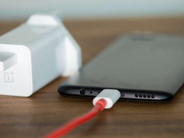 Une batterie externe charge rapide en développement chez Oneplus
